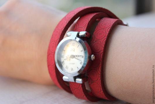 """Часы ручной работы. Ярмарка Мастеров - ручная работа. Купить Часы """"Коралловые 1"""". Handmade. Коралловый, часы женские"""