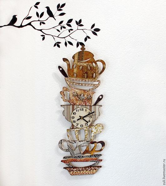 """Часы для дома ручной работы. Ярмарка Мастеров - ручная работа. Купить Часы настенные  """"Гора посуды"""". Handmade. Коричневый"""