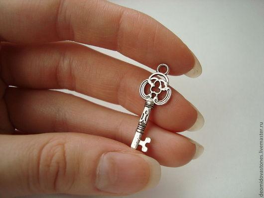 Для украшений ручной работы. Ярмарка Мастеров - ручная работа. Купить Подвеска ключ металлическая для украшений 26 мм. Handmade.