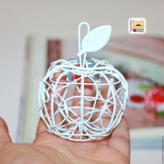 Куклы и игрушки ручной работы. Ярмарка Мастеров - ручная работа. Купить Мини яблоко металлическое декоративное 8см М133 кукольная миниатюра. Handmade.