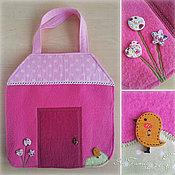 Куклы и игрушки ручной работы. Ярмарка Мастеров - ручная работа Кукольный домик-сумка. Handmade.