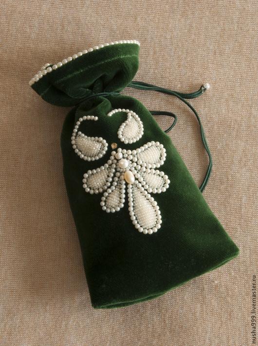 Персональные подарки ручной работы. Ярмарка Мастеров - ручная работа. Купить Бархатный мешочек с объемной вышивкой и жемчугом. Handmade.