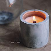 Свечи ручной работы. Ярмарка Мастеров - ручная работа Соевая свеча в бетоне с древесным фителем Цилиндр серо-пудровый. Handmade.