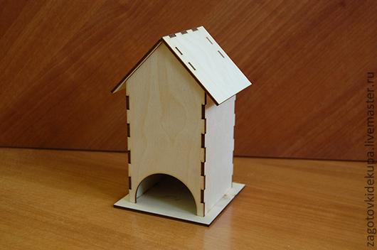 Чайный домик (продается в разобранном виде на палетке) Размеры:  габарит - 11х11х18 см домик - 8,5х8,5х17,5 см,  подставки 11х11 см Материал: фанера 3 мм