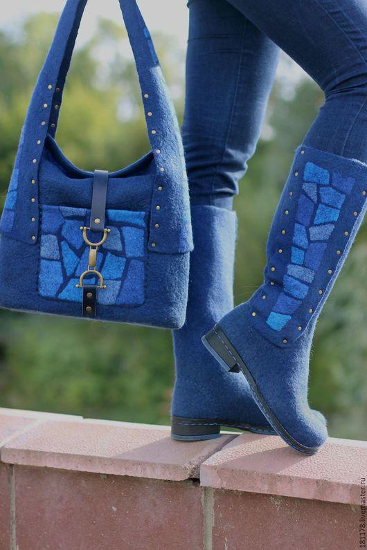 """Обувь ручной работы. Ярмарка Мастеров - ручная работа. Купить Валяные сапожки и сумка """"Синие витражи"""". Handmade. Тёмно-синий"""