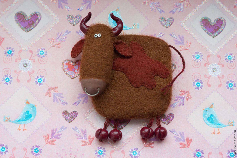 'Bull BLOB' felted wool fridge magnet, Magnets, Omsk,  Фото №1