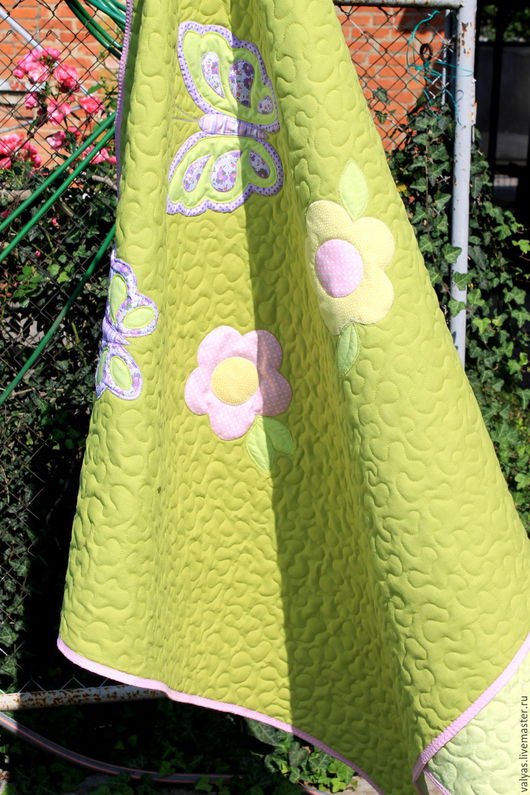 """Детская ручной работы. Ярмарка Мастеров - ручная работа. Купить Детское покрывало """" Бабочки на лугу """". Handmade. Салатовый"""