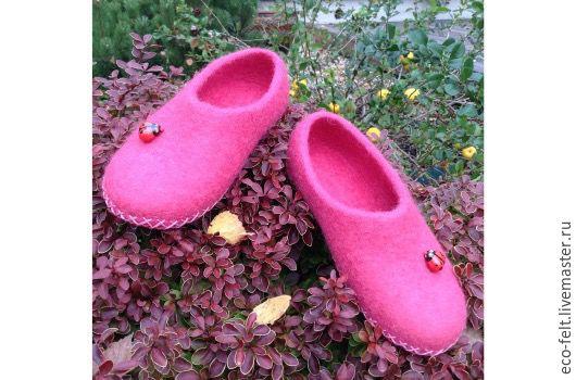"""Обувь ручной работы. Ярмарка Мастеров - ручная работа. Купить Тапочки детские """"Божья коровка"""". Handmade. Коралловый, тапочки домашние"""