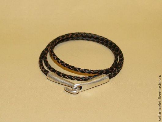 Украшения для мужчин, ручной работы. Ярмарка Мастеров - ручная работа. Купить Кожаный браслет из кожи коричневый плетеный 3мм замок крюк. Handmade.
