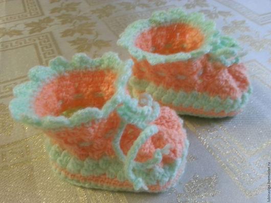 """Для новорожденных, ручной работы. Ярмарка Мастеров - ручная работа. Купить Пинетки для малышей из серии """"Гламурчики""""  мятно-оранжевые. Handmade."""