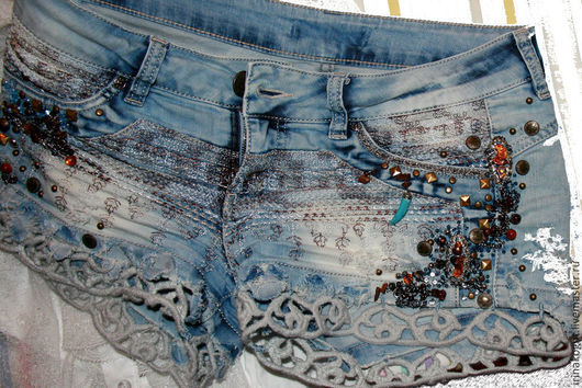 Брюки, шорты ручной работы. Ярмарка Мастеров - ручная работа. Купить шорты джинсовые джинсы Янтарь. Handmade. Синий, клепки