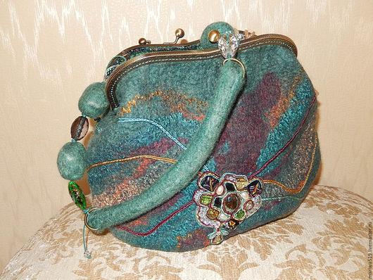 Женские сумки ручной работы. Ярмарка Мастеров - ручная работа. Купить Малахитовая. Handmade. Валяная сумка, ридикюль