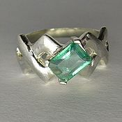 Украшения handmade. Livemaster - original item 0.85 carat natural emerald & 925 sterling silver ring. Handmade.