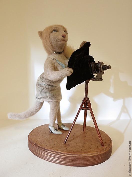 """Портретные куклы ручной работы. Ярмарка Мастеров - ручная работа. Купить кошка """"Фотограф"""". Handmade. Бежевый, шерсть 100%"""