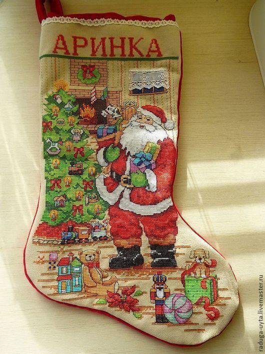 рождественский сапожок. новогодний сапожок. рождественский носок с вышивкой. вышитый новогодний сапожок. новогодний сувенир. упаковка для новогоднего подарка. новый год 2016