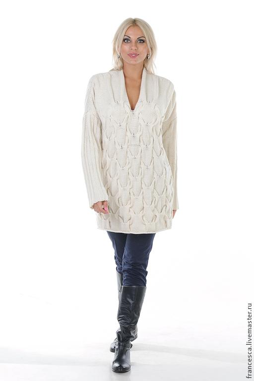 Кашемировый белый свитер-платье ручной работы - тренд сезона осень-зима. Дизайнерская модель, выполнена в единственном экзмпляре. Модель: Anna Nox Фото: Serge Grek, grekfoto@gmail.com