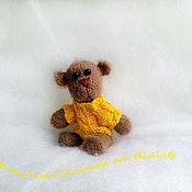 Куклы и игрушки ручной работы. Ярмарка Мастеров - ручная работа Я хочу быть твоим медвежонком ... :)) Мишка вязаный в свитере. Handmade.