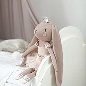 Куклы и пупсы ручной работы. Ярмарка Мастеров - ручная работа Зайчик-балерина в бежевом платье. Handmade.