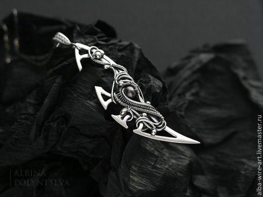 """Кулоны, подвески ручной работы. Ярмарка Мастеров - ручная работа. Купить Кулон-меч """"Клинок Рандгрид"""" из серебра и жемчуга. Handmade."""