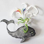 """Картины и панно ручной работы. Ярмарка Мастеров - ручная работа пано """"Кит радужный с русалкой и флейтой"""" (фигурка кита). Handmade."""