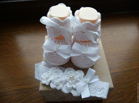 """Для новорожденных, ручной работы. Ярмарка Мастеров - ручная работа. Купить Комплект """"Ангелочек"""". Handmade. Белый, пинетки крючком"""