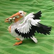 """Фен-шуй и эзотерика ручной работы. Ярмарка Мастеров - ручная работа фигурка """"Пеликан с деньгами в клюве"""" (статуэтка пеликана с долларами). Handmade."""