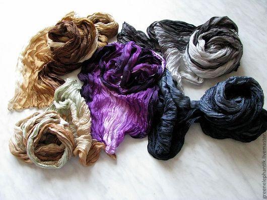 Новые натуральные шелковые шарфы. Имеют чуть более плотную структуру, но также хорошо приваливаются  и дают красивую поверхность материала.
