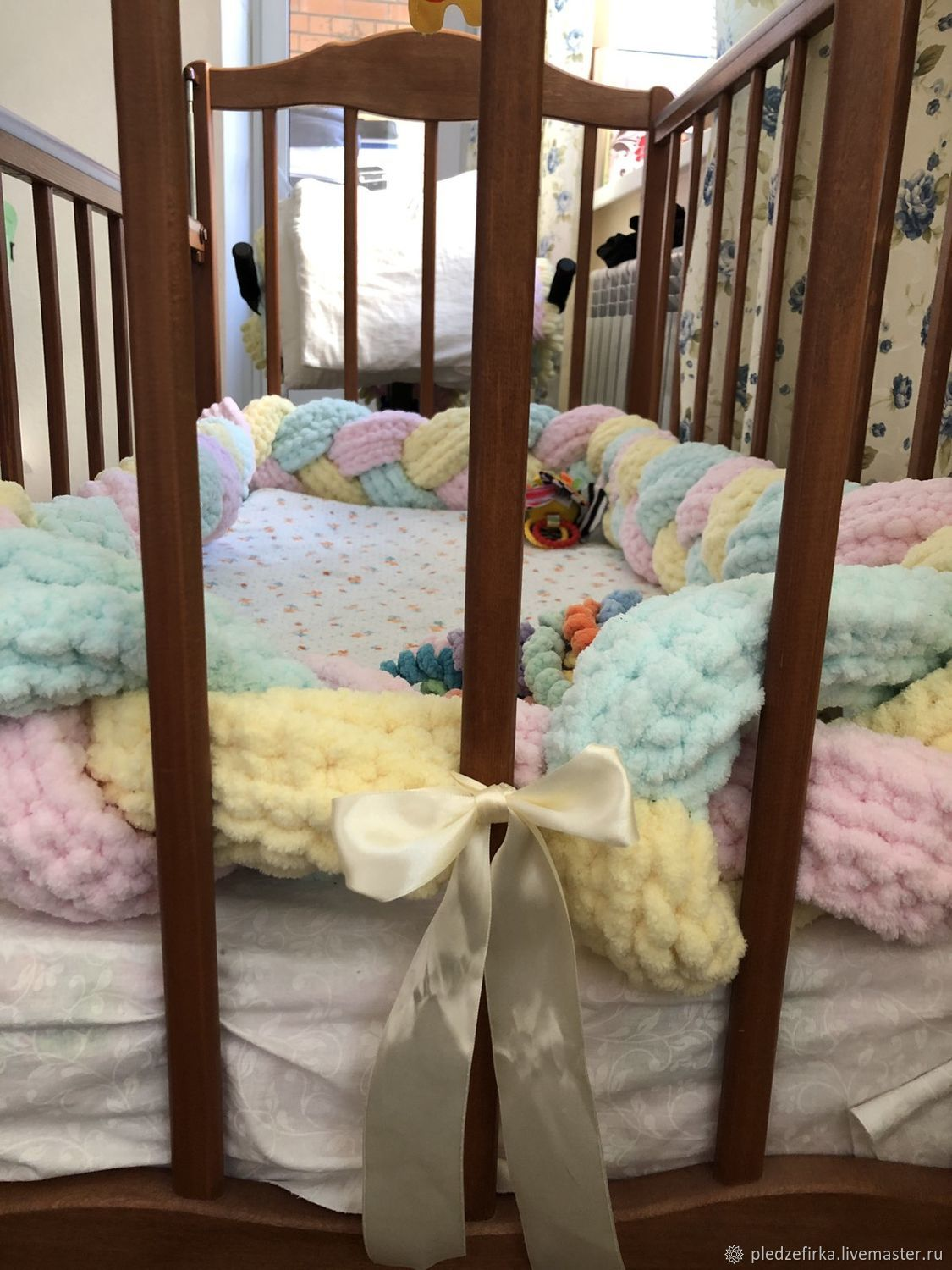 Bumpers in the crib: Knitted border-pigtail, Sides for crib, Ulyanovsk,  Фото №1