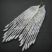 Украшения ручной работы. Ярмарка Мастеров - ручная работа Белые длинные серьги из бисера Необычные нарядные серьги белого цвета. Handmade.