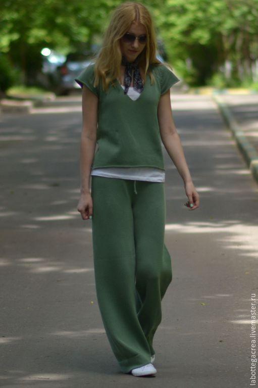 Брюки, шорты ручной работы. Ярмарка Мастеров - ручная работа. Купить Вязаный костюм  Oh-So-'70s из 100% хлопка. Handmade.