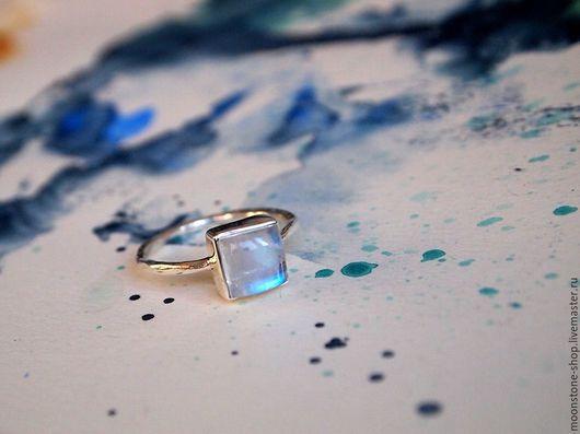 """Кольца ручной работы. Ярмарка Мастеров - ручная работа. Купить Кольцо """"маленький лунный"""". Handmade. Белый, кольцо с лунным камнем"""