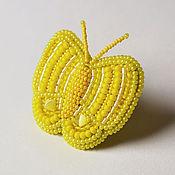 Украшения ручной работы. Ярмарка Мастеров - ручная работа Яркое вышитое бисером коктейльное кольцо в форме бабочки, желтое. Handmade.