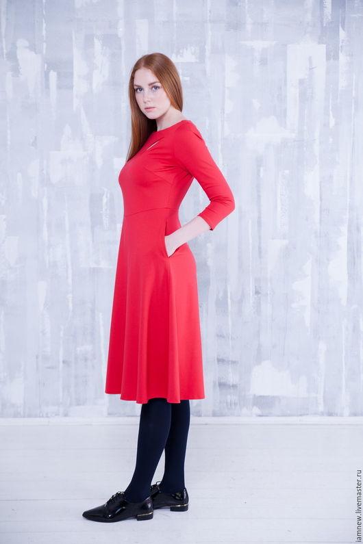 Платья ручной работы. Ярмарка Мастеров - ручная работа. Купить Платье приталенный верх, нижняя часть -трапеция. Handmade. Однотонный