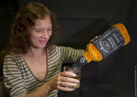 Текстиль, ковры ручной работы. Ярмарка Мастеров - ручная работа. Купить Подушка Бутылка Jack Daniel's. Handmade. Рыжий, бутылка