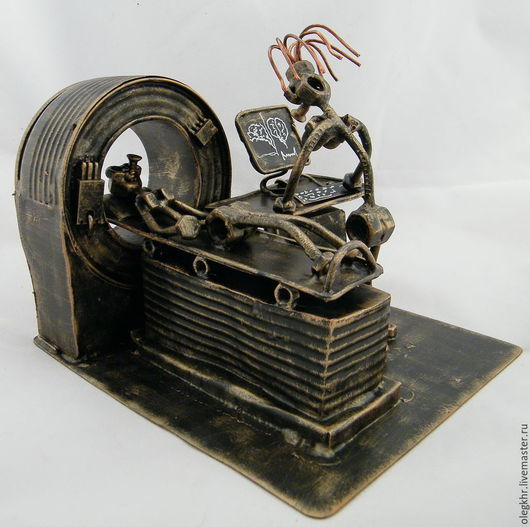 Миниатюрные модели ручной работы. Ярмарка Мастеров - ручная работа. Купить Врач-рентгенолог КТ. Handmade. Сувенир из гаек