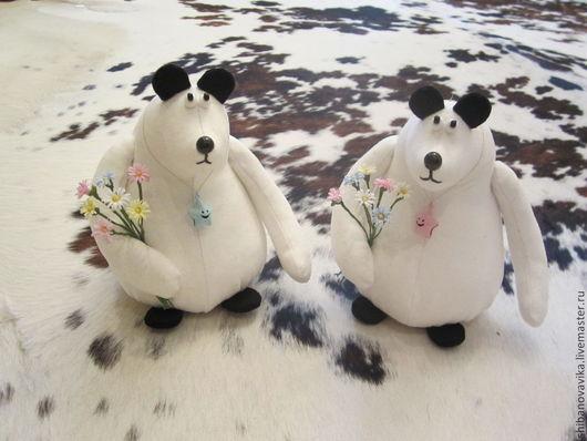 Игрушки животные, ручной работы. Белые медведи. Автор Шибанова Виктория. Дизайн-студия авторских игрушек