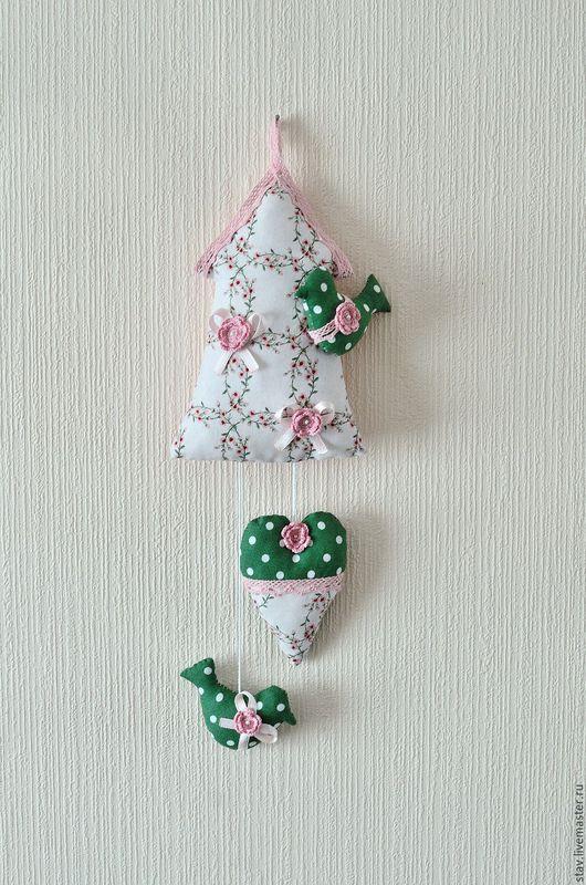 Детская ручной работы. Ярмарка Мастеров - ручная работа. Купить Домик с птичкой текстильное панно для интерьера детской розовый зелены. Handmade.