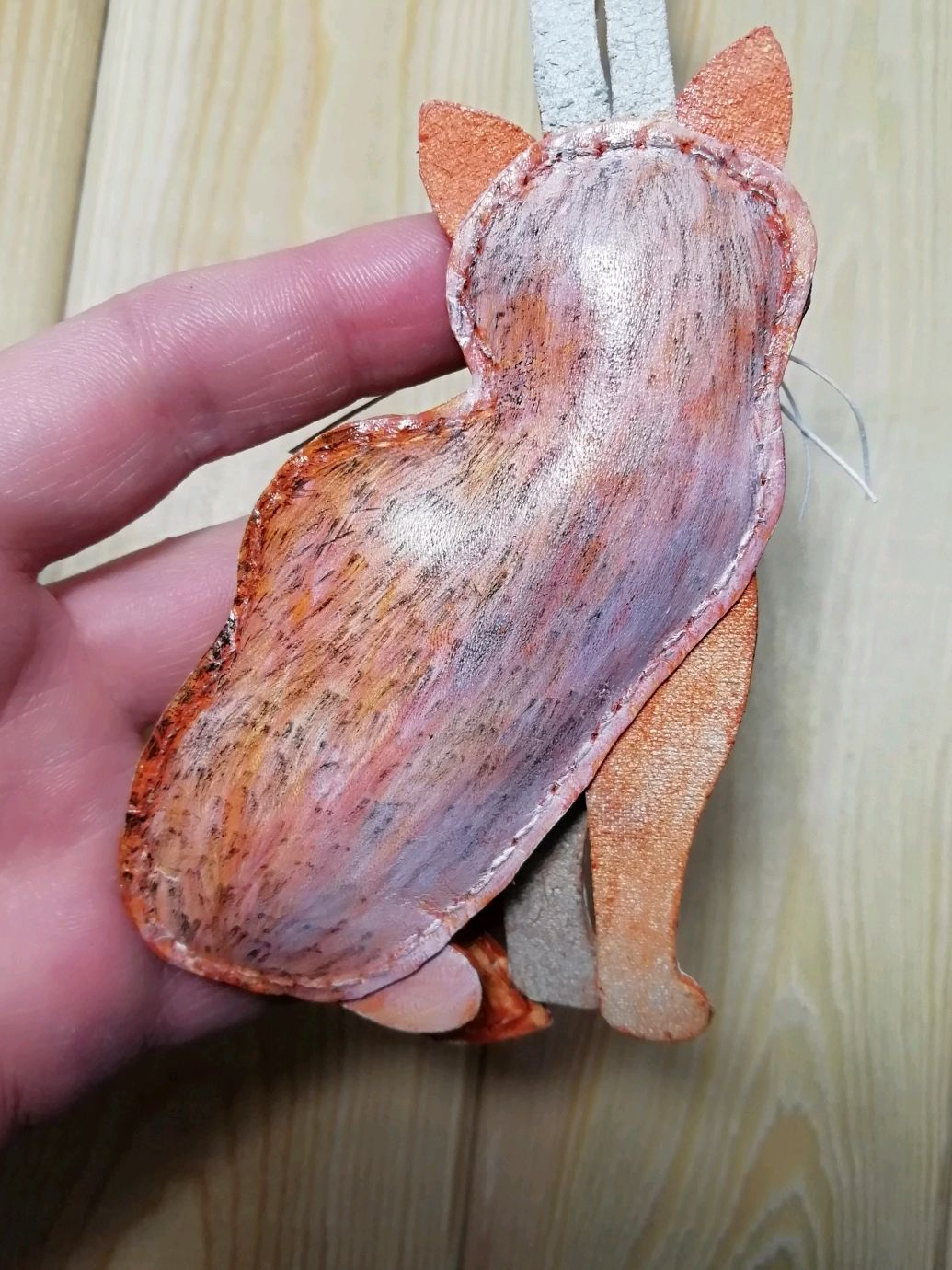 Брелок кошка Британская шиншилла из кожи