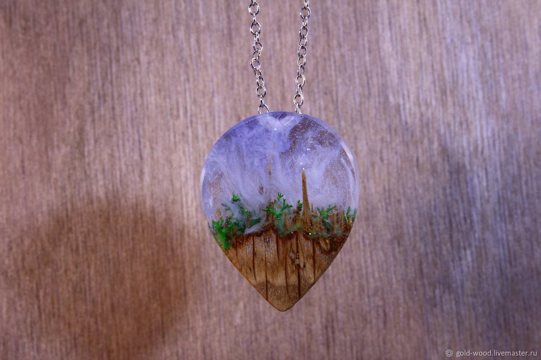 Кулоны, подвески ручной работы. Ярмарка Мастеров - ручная работа. Купить Кулон из дерева и смолы фиолетовый, кулон для девушки 901. Handmade.