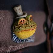 """Украшения ручной работы. Ярмарка Мастеров - ручная работа Брошь """"Мистер Жабс в полосатом жабо"""". Handmade."""