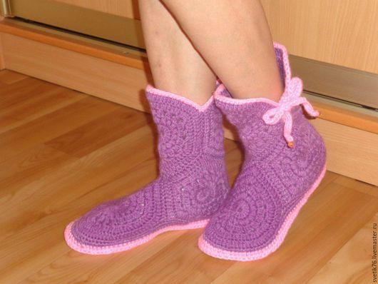 Обувь ручной работы. Ярмарка Мастеров - ручная работа. Купить Сапожки угги  вязаные на стельке. Handmade. Вязаные домашние сапожкии
