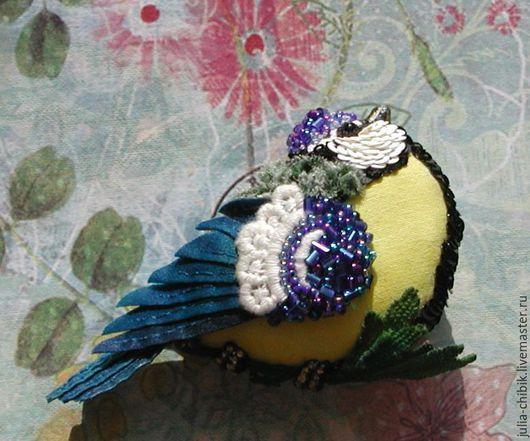 Брошь синичка, подарок девушке, текстильная брошь, брошь птица, весенняя брошь, брошь в подарок.