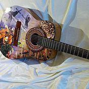"""Музыкальные инструменты ручной работы. Ярмарка Мастеров - ручная работа """"Besame Mucho"""" - гитара, задекорированная на тему песни. Handmade."""