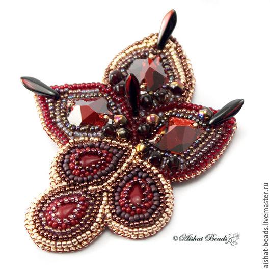 """Броши ручной работы. Ярмарка Мастеров - ручная работа. Купить Брошь """"Роскошь"""". Handmade. Бордовый, натуральные кораллы, красный, рубин"""