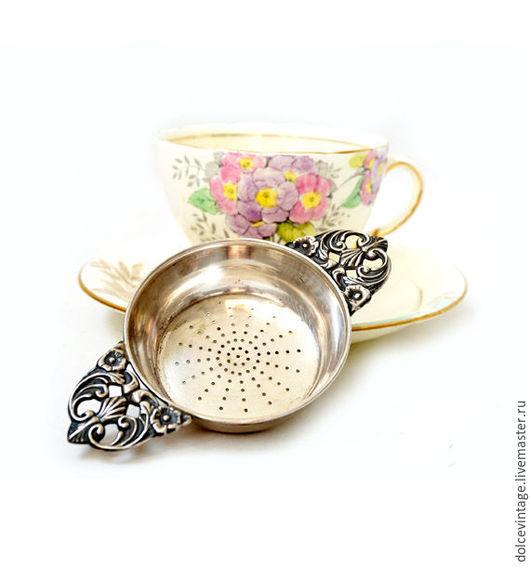 Антикварное ситечко для чая из серебра 800 проба.