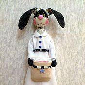 Для дома и интерьера ручной работы. Ярмарка Мастеров - ручная работа Хранительница ватных дисков и палочек (зайка). Handmade.
