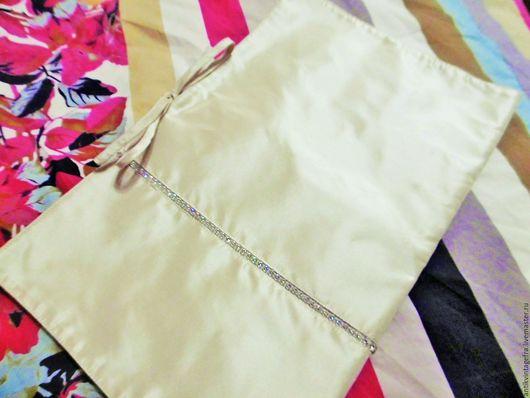 Винтажные сумки и кошельки. Ярмарка Мастеров - ручная работа. Купить Винтажный конверт сумочка для белья в дорогу шёлк кристаллы Франция. Handmade.