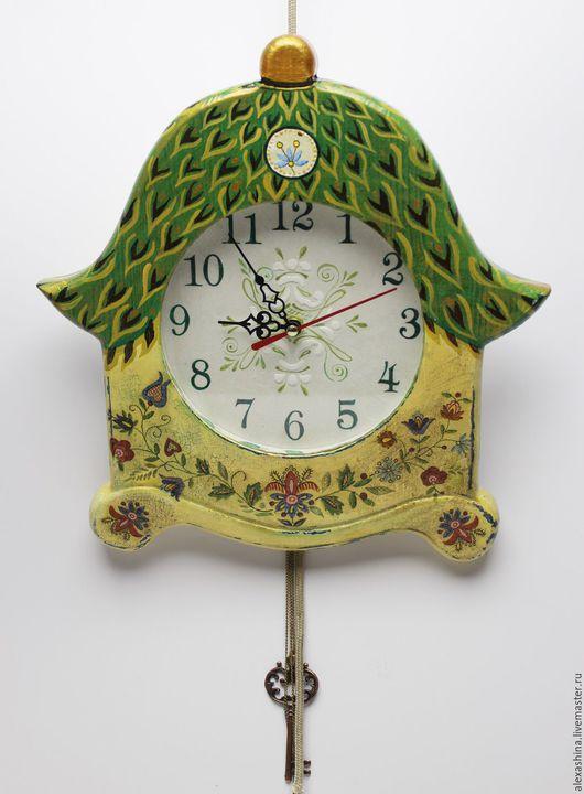 Часы для дома ручной работы. Ярмарка Мастеров - ручная работа. Купить Часы Летний домик со стеклом. Handmade. Зеленый