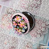 Зеркала ручной работы. Ярмарка Мастеров - ручная работа Зеркальце с вышивкой лентами. Handmade.