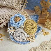 """Украшения ручной работы. Ярмарка Мастеров - ручная работа """"Даниэла"""" брошь джинсовая бохо цветок голубой серый желтый. Handmade."""